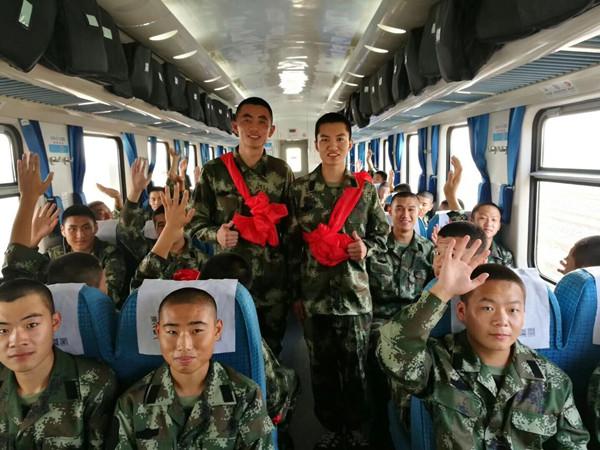 我市700余名新兵奔赴军营 大学生占新兵比例近60%