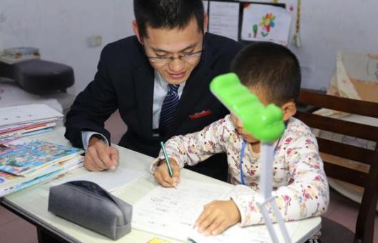 东营福彩同心圆助学计划纪实之――小小少年