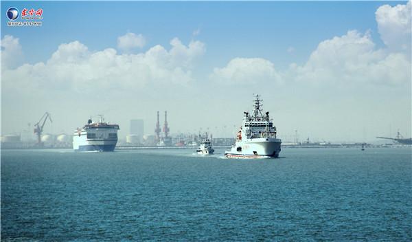 其中从大连到东营的客滚船下客400人,从东营到大连的客滚船上客156人