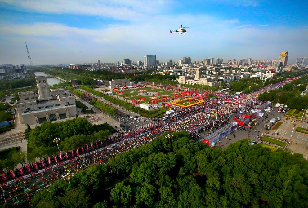 黄河口国际马拉松燃情东营 非洲选手包揽全程前三甲