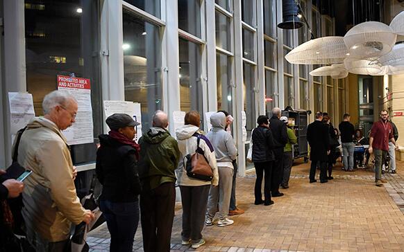 美中期选举投票开始 国会参众两院改选最受瞩目