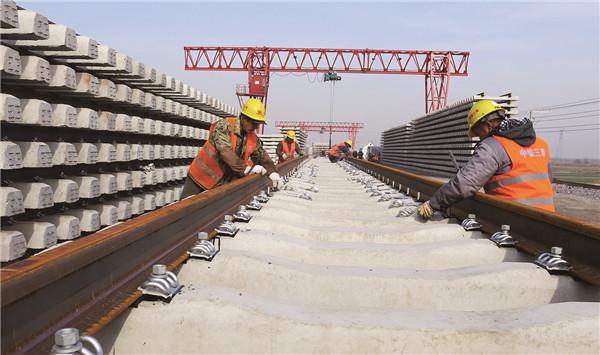 东营港疏港铁路进入全线铺轨阶段