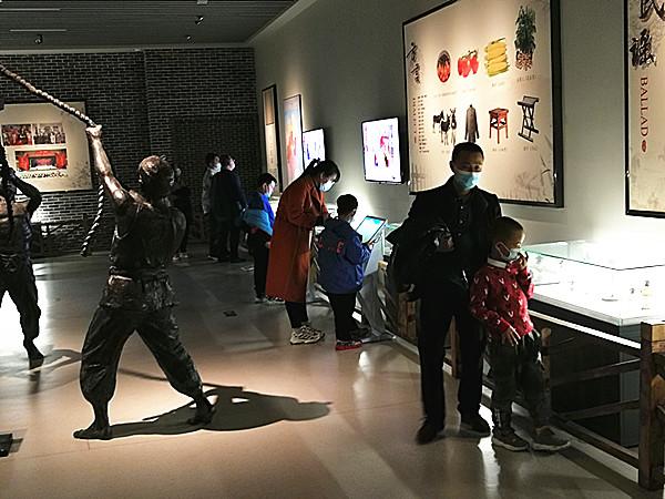 """""""留乐""""东营让就地过年更有味 ——我市春节假期文化旅游产品供给丰富多彩"""